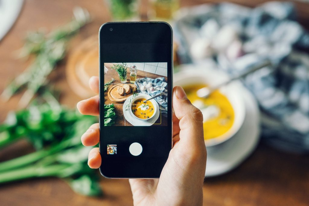 Add Photos and Social Proof to your restaurant website